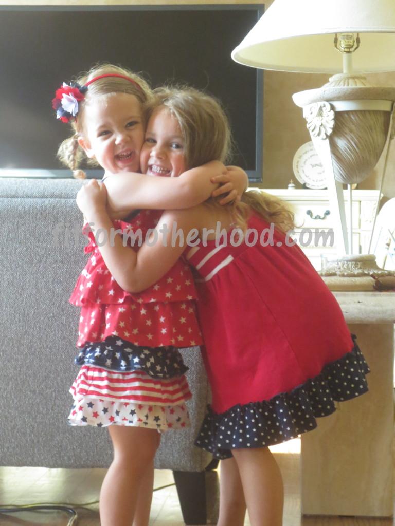 mimm - fireworks sophia isabella hugging