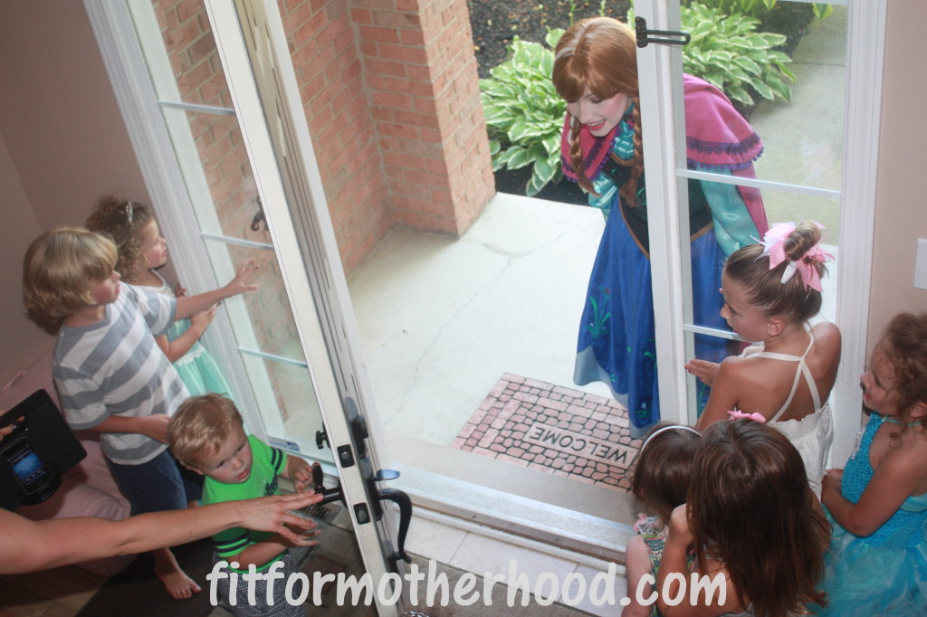 Elsa and anna birthday party seattle party invitations ideas