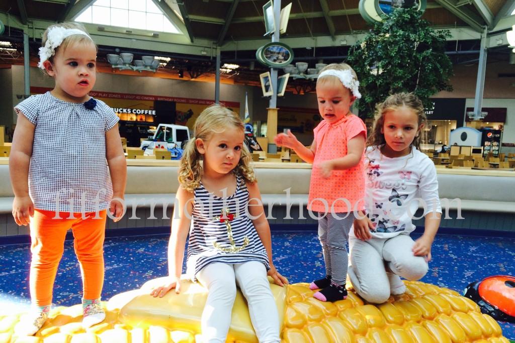 mimm - mall girls corn