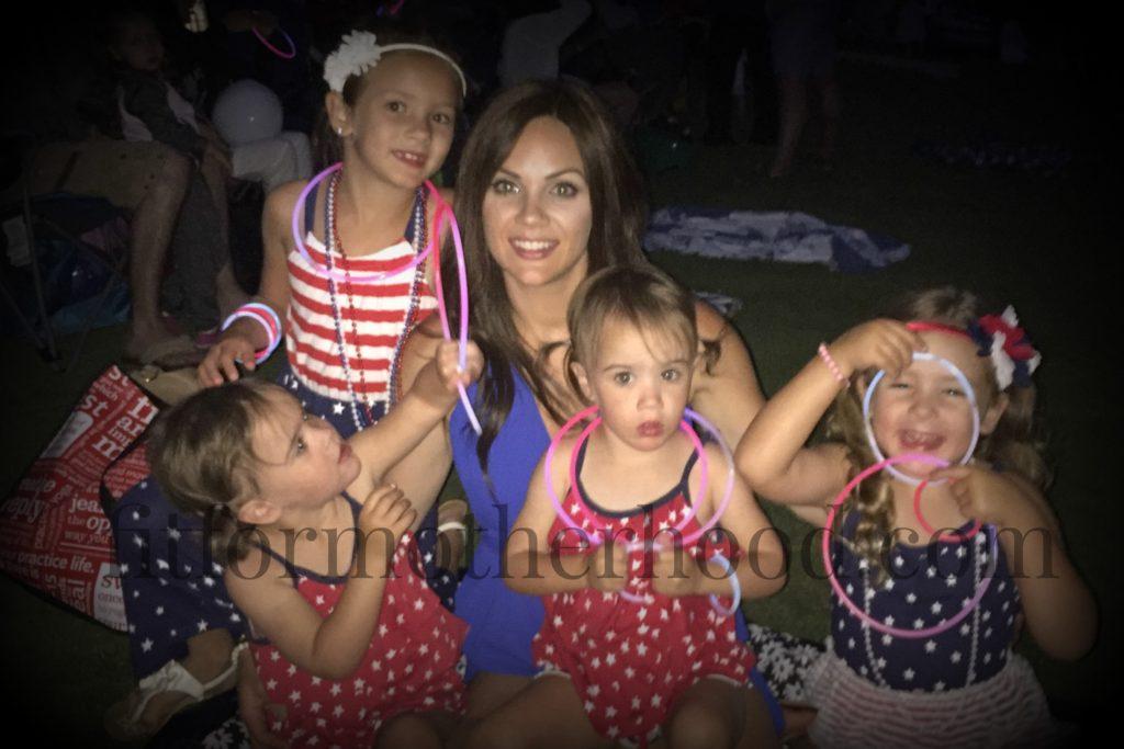 june2016 fireworks mama girls